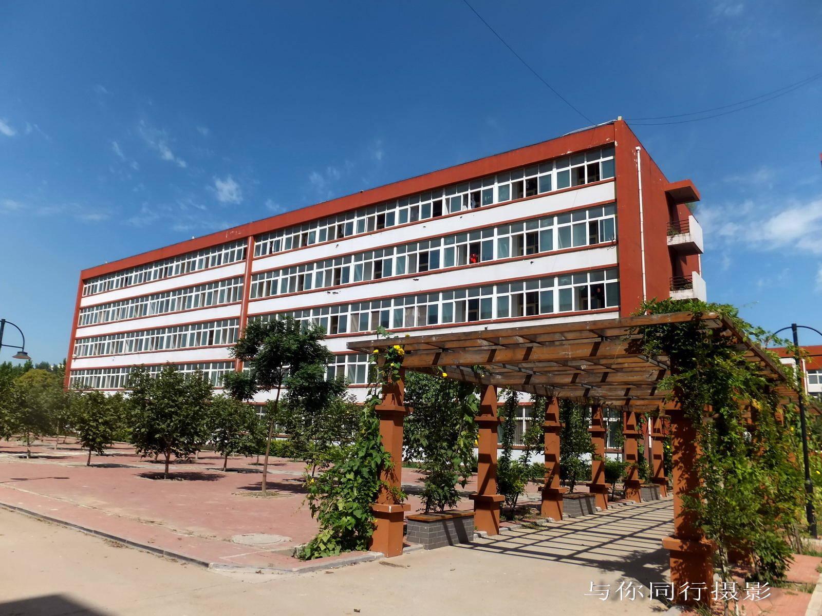 滦县亚搏安卓苹果app技术教育中心